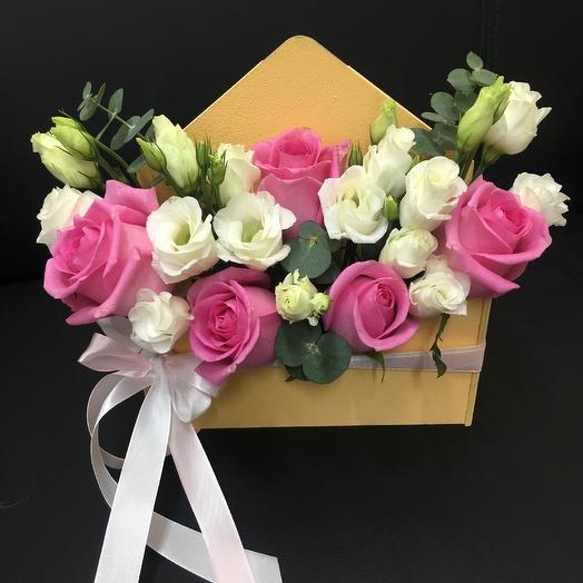 Деревянный конверт с розами и эустомой: букеты цветов на заказ Flowwow