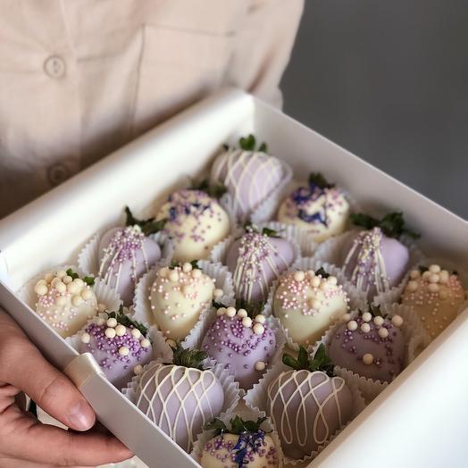 """Большой набор клубники в шоколаде """"Purple"""""""