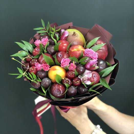 Букет из сезонных фруктов