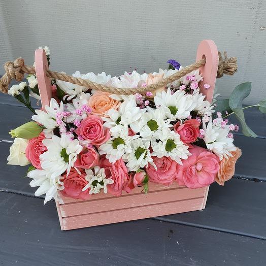 Ящик деревянный с цветами