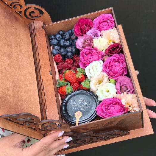 Цветы в шкатулке
