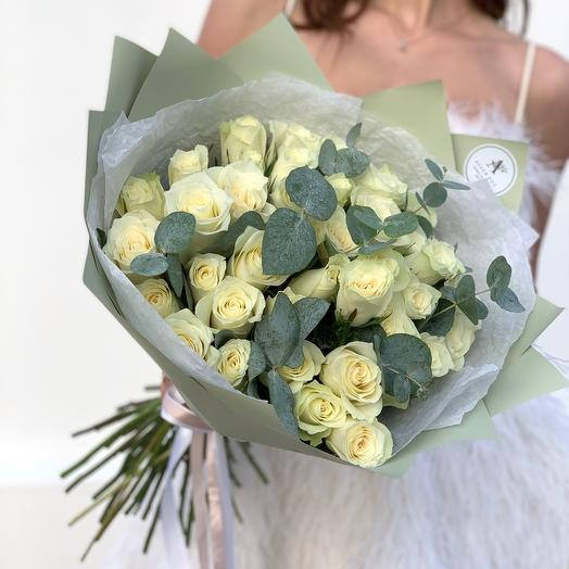 Bouquet of 41 roses Kenya and eucalyptus