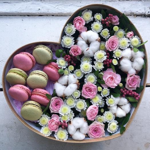 Большое цветочное сердце со сладким