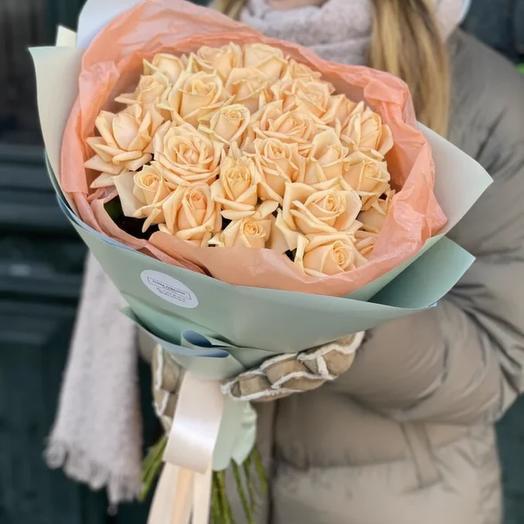 Моно букет из персиковых роз