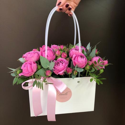 Коробка сумочка с пионовидной розой