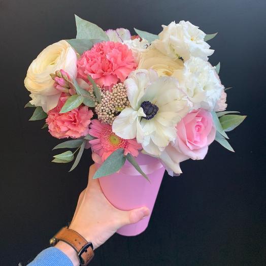Розовый стаканчик цветов