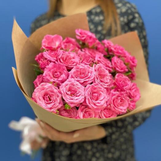 Букет комплимент из кустовых роз