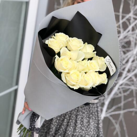 Стильные розы в сером