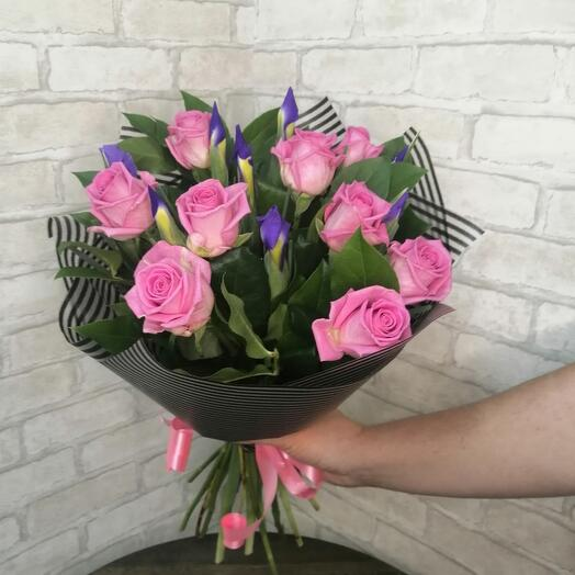 Букет и роз и ирисов