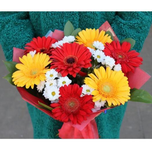 Букет хризантем и гербер