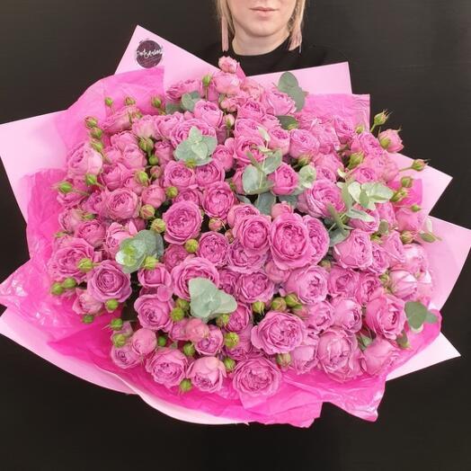 """Букет """"35 Пионовидных роз"""" с эвкалиптом"""