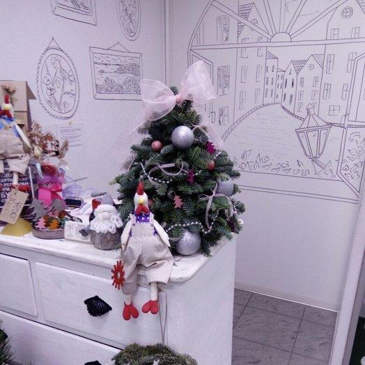 Композиция Ель с игрушками: букеты цветов на заказ Flowwow