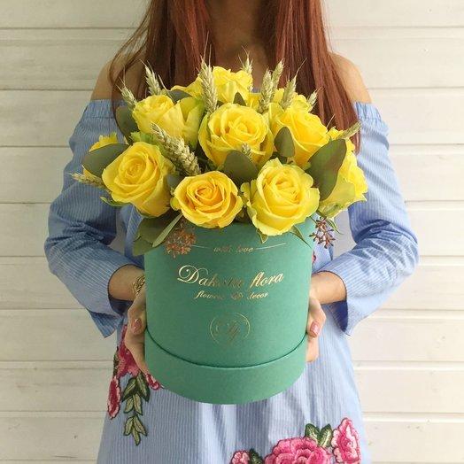 Желтые розы в коробке: букеты цветов на заказ Flowwow