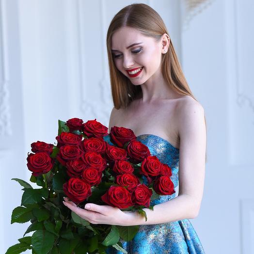 Букет из 21 красной голландской розы 50 см: букеты цветов на заказ Flowwow