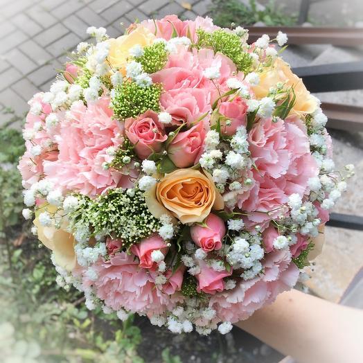 Букет невесты с розами и трахелиумом: букеты цветов на заказ Flowwow