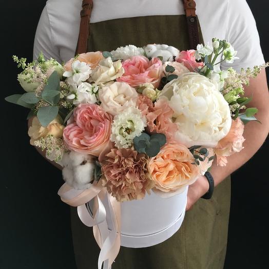 Коробочка дня с пионами: букеты цветов на заказ Flowwow