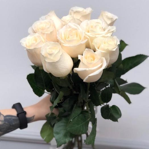 11 белых роз 60 см