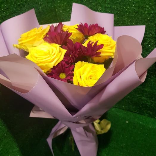 Букет- комплимент из желтых роз: букеты цветов на заказ Flowwow
