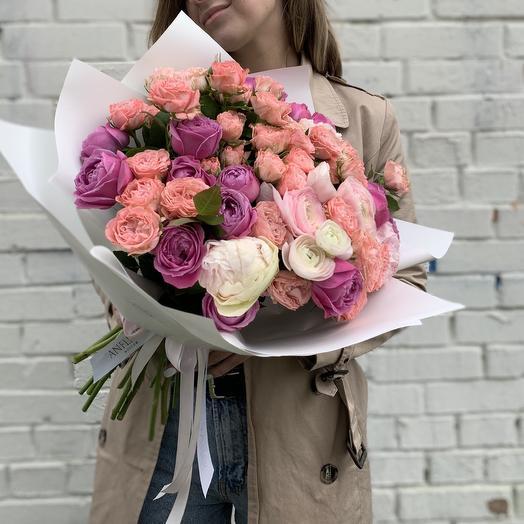 Букет с миксом пионовидных роз и ранункулюсами: букеты цветов на заказ Flowwow
