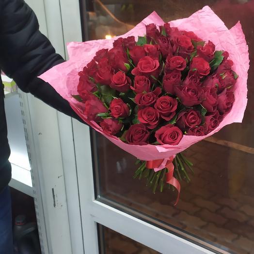 51 роза букет в элегантной упаковке: букеты цветов на заказ Flowwow