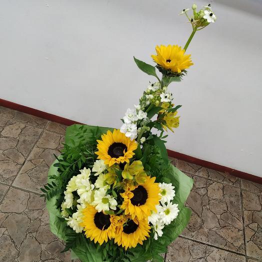 """Яркий букет с подсолнухами 🌻""""Ты-моё солнце"""": букеты цветов на заказ Flowwow"""