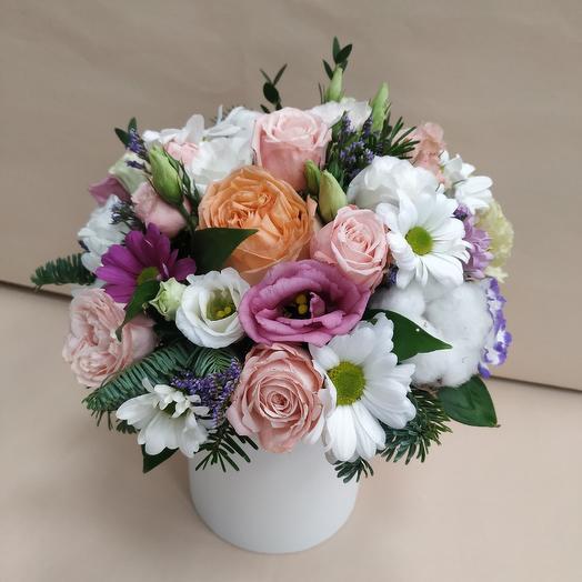 Коробочка дня с кустовой розой 🥰: букеты цветов на заказ Flowwow