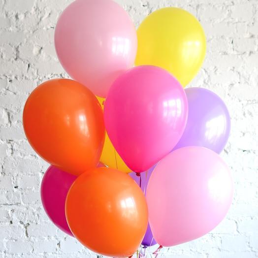 Десяток разноцветных шариков