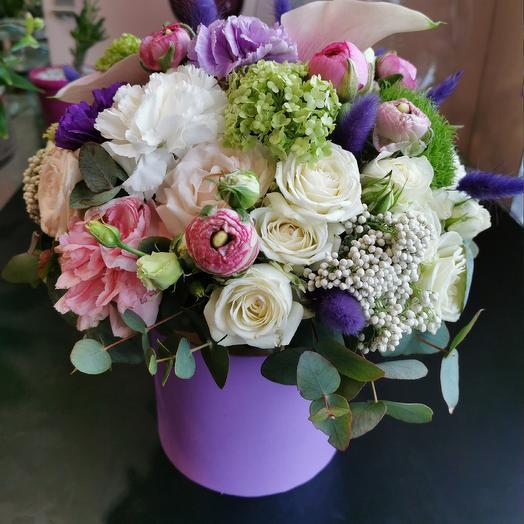 Каллы и вибурнум: букеты цветов на заказ Flowwow