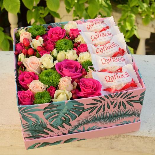Яркая коробочка - презентс конфетами и раффаэлло