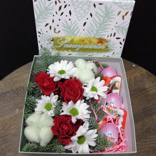 Набор подарочный из сладостей и цветов