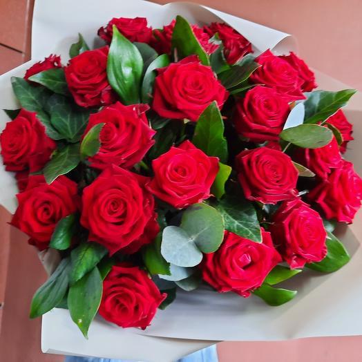 Букет из красных роз для любимой
