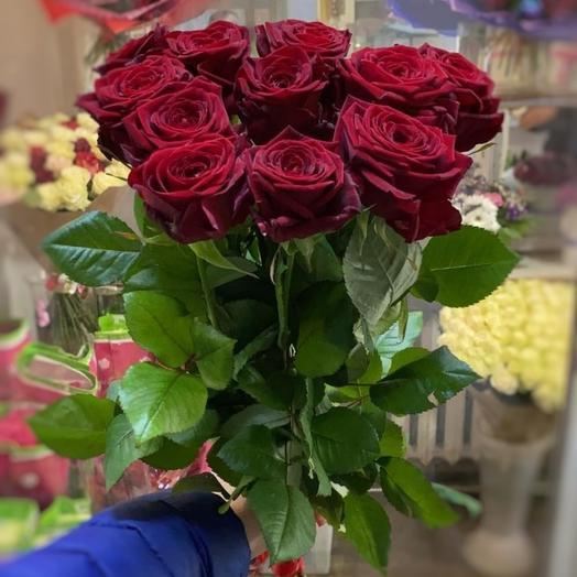 11 Крупных красных роз