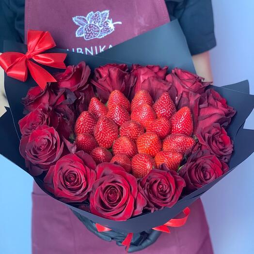 Букет из клубники в шоколаде с Эквадорскими розами