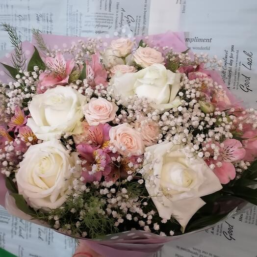 Нежный букет роз