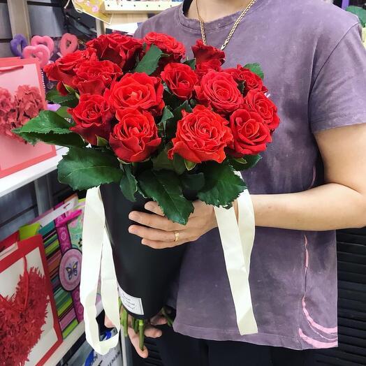 Алая Роза в конусе
