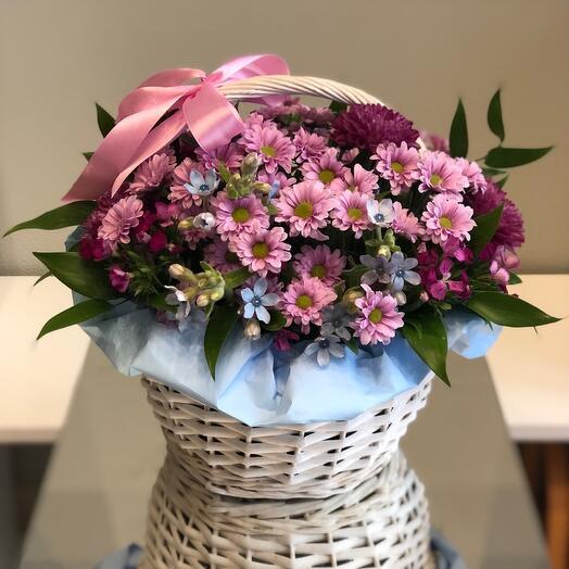 Корзина с цветами Красота хризантемы