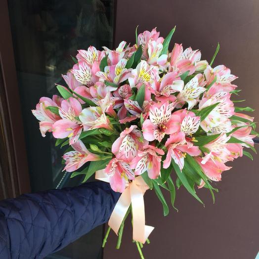 Букет из 11 розовых альстромерий: букеты цветов на заказ Flowwow