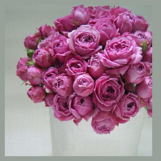 Розы пионовидные в шляпной коробке