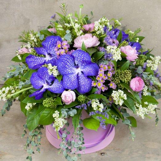 Композиция с орхидеей ванда в шляпной коробке: букеты цветов на заказ Flowwow