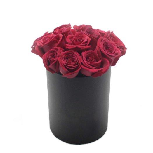 15 роз в черной шляпной коробке: букеты цветов на заказ Flowwow