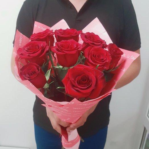 9 роз в крафт-бумаге