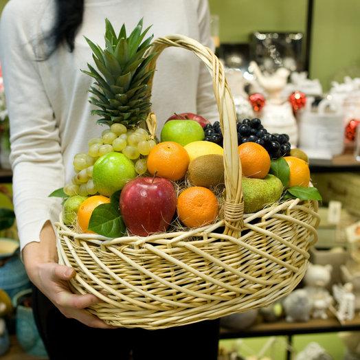 """Корзина с фруктами """"Fresh fruit"""": букеты цветов на заказ Flowwow"""