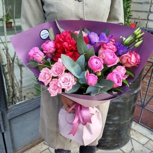 Букет с пионом и вандой: букеты цветов на заказ Flowwow