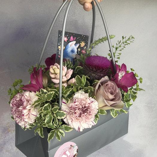 Сумочка цветов : букеты цветов на заказ Flowwow