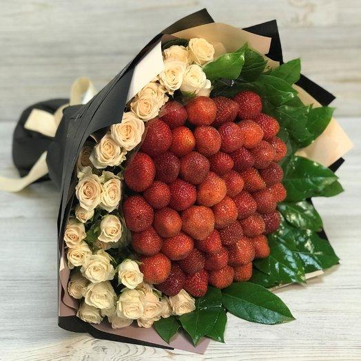 Кустовая роза. Клубника. N169: букеты цветов на заказ Flowwow