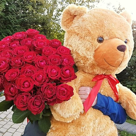 Bear 110cm and a bouquet of 51 roses L: flowers to order Flowwow