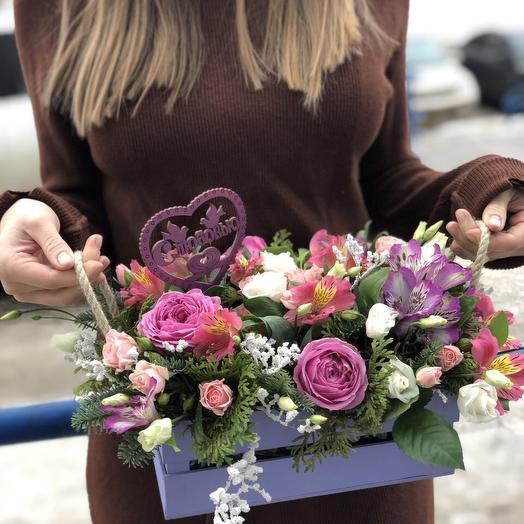 Цветы в ящичке: букеты цветов на заказ Flowwow
