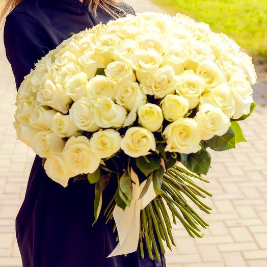 Букет из 71 белой розы (60см): букеты цветов на заказ Flowwow