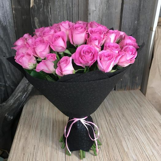 35 роз Эквадор  в стильном фетре: букеты цветов на заказ Flowwow