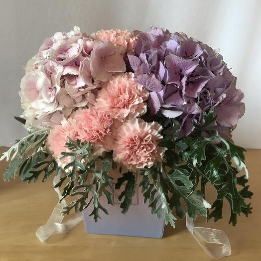 Композиция в нежных цветах: букеты цветов на заказ Flowwow